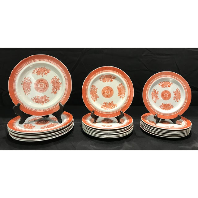 1950s Coral Copeland Spode Fitzhugh Plates 3 Piece Service for 8 - Set of 26 For Sale - Image 12 of 12