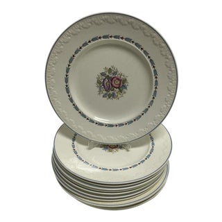 """Evenlode"" Wedgwood Corinthian Dinner Plates - Set of 10 For Sale"