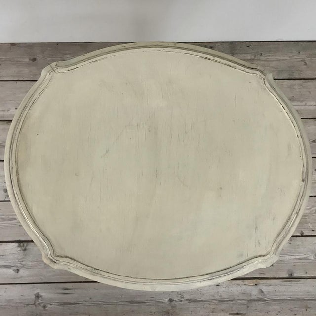 19th Century French Louis XVI Painted Oval End Table For Sale In Dallas - Image 6 of 13