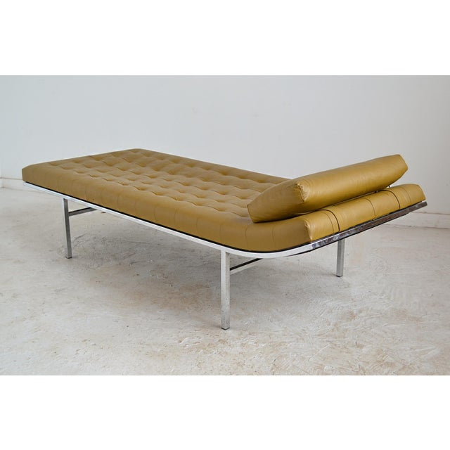 Jules Heumann Chaise by Metropolitan For Sale In Chicago - Image 6 of 11