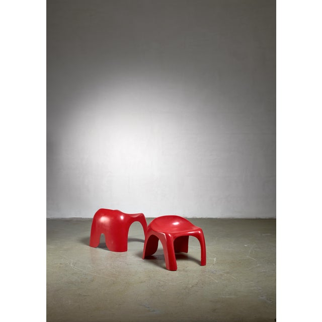 Mid-Century Modern Pair of Red Polyester Stacy Dukes Stools, 1960s For Sale - Image 3 of 3
