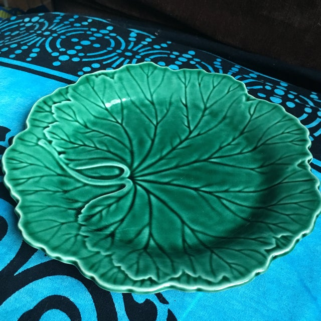 Art Deco 1940s Art Deco Wedgwood Majolica Cabbage Salad Plate For Sale - Image 3 of 7