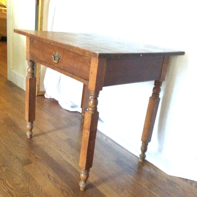 American Primitive American Pine Table With Drawer For Sale - Image 3 of 13