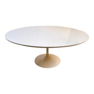 Mid-Century Modern Eero Saarinen for Knoll Cocktail Table in Laminate and Enameled Metal Tulip Table For Sale