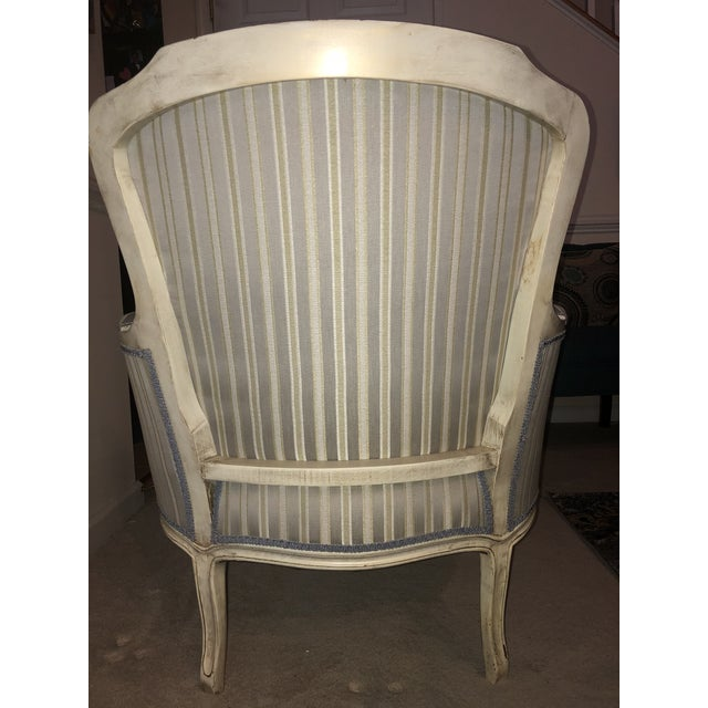 Beautiful high quality vintage chair, manufactured in the 1970's in High Point, North Carolina by Imperial Crestwood. The...