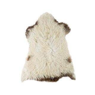 "Contemporary Handmade Wool Sheepskin Pelt Rug - 2'3""3'0"" For Sale"