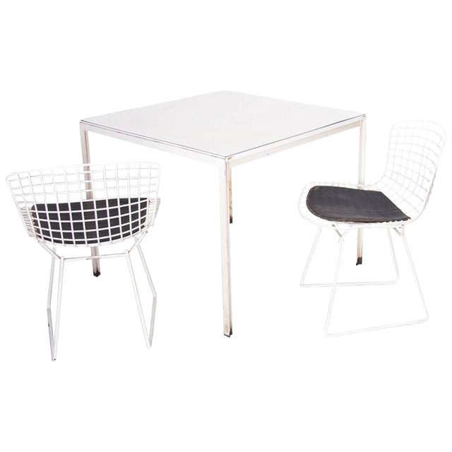 Florence Knoll Dining Table Plus Two Bertoia Side Chairs For Sale