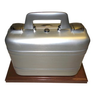Halliburton Mid-20th Century Small Cinema Equipment Case Pristine, Deco Look. Mouter On MAple Wood Or Unmounted. For Sale