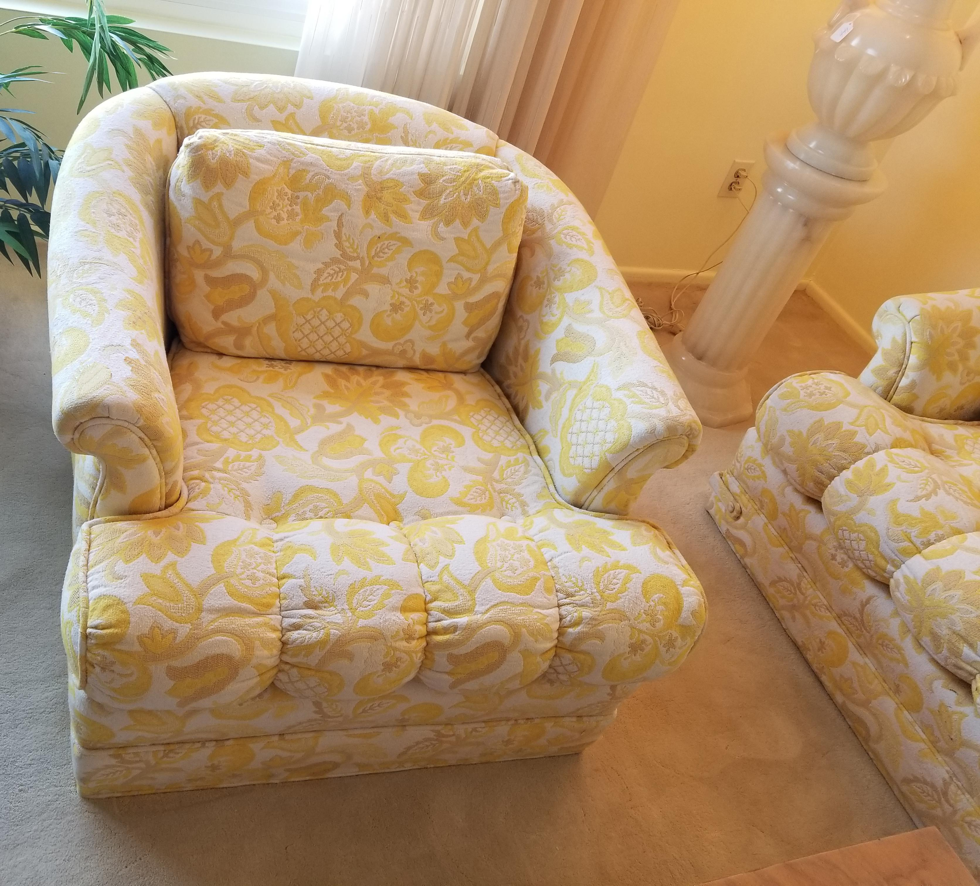 Pair Of Vintage Hollywood Regency Yellow U0026 White Floral Club Chairs   Image  4 Of 11