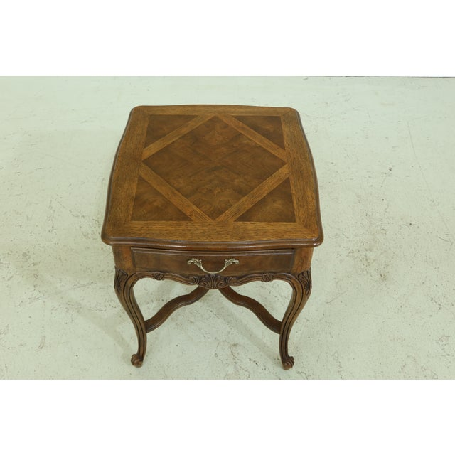 Item: F49196EC: DREXEL HERITAGE Country French Style Walnut & Oak End Table Age: Approx: 30 Years Old Details: Dovetailed...