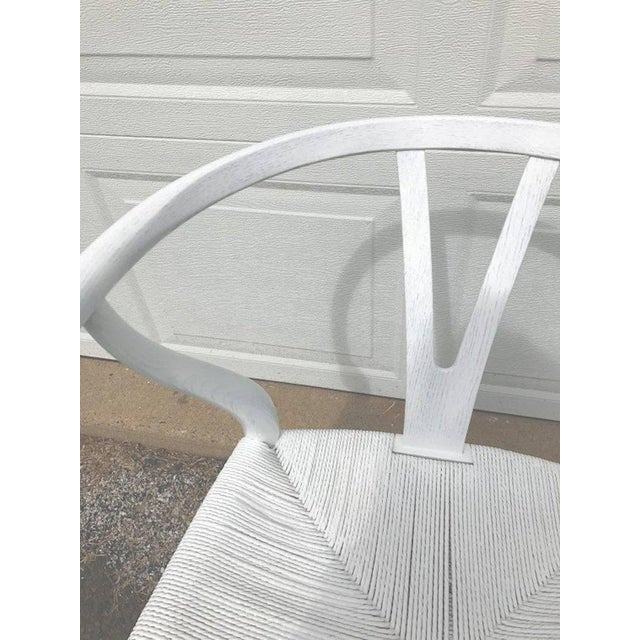 Hans Wegner Hans Wegner Wishbone Chairs, CH24 in White - Set of 4 For Sale - Image 4 of 8