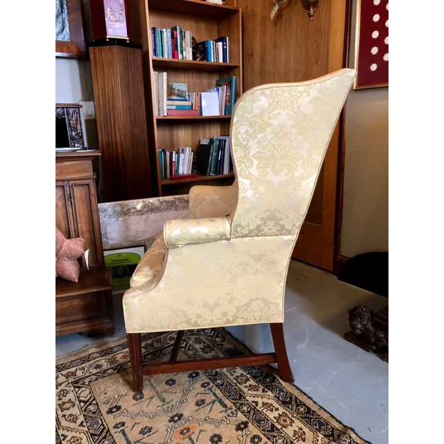 1960s Vintage High End American Hepplewhite Wing Back Chair For Sale In Minneapolis - Image 6 of 9
