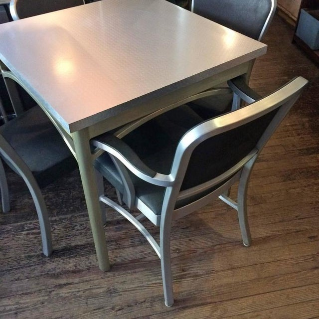 Metal 1940s Mid-Century Modern Brushed Aluminium Dining Set - 5 Pieces For Sale - Image 7 of 10