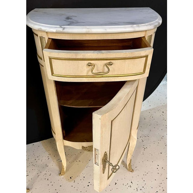 Hollywood Regency Painted End Tables, Nightstands or Pedestals, a Pair For Sale - Image 11 of 13