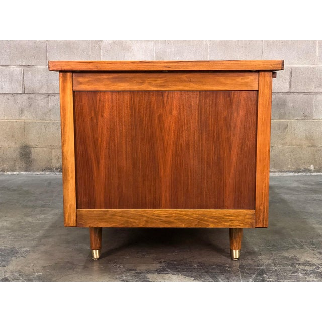 """Indiana Mid-Century Modern Executive Desk 30"""" X 60"""" Top For Sale - Image 5 of 13"""