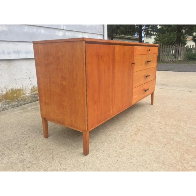 Mid-Century Modern Mid-Century Modern Paul McCobb Winchendon Perimeter Group Bow Tie Pull Cabinet For Sale - Image 3 of 8