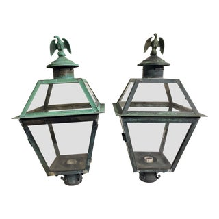 1950s Vintage Federal Style Outdoor Post Lanterns - A Pair For Sale