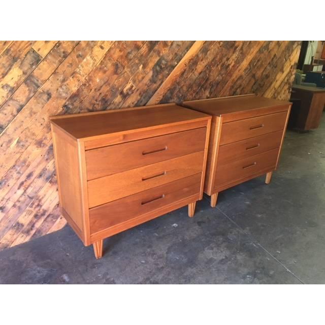 Mid-Century Refinished Mahogany Dresser - Image 4 of 7
