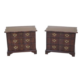 1970s Traditional Henredon Oak 3 Drawer Nightstands - a Pair For Sale