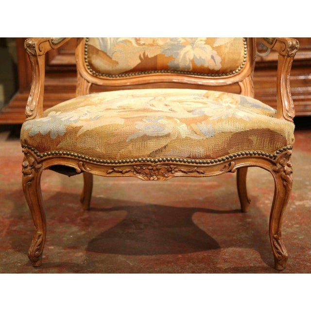 French 19th Century French Louis XV Carved Walnut Armchair With Aubusson Tapestry For Sale - Image 3 of 11