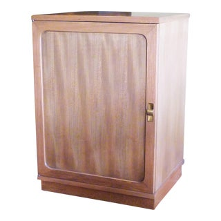Late 1940s Edward Wornmley for Drexel Precedent Line Silver Elm Dry Bar Cabinet For Sale
