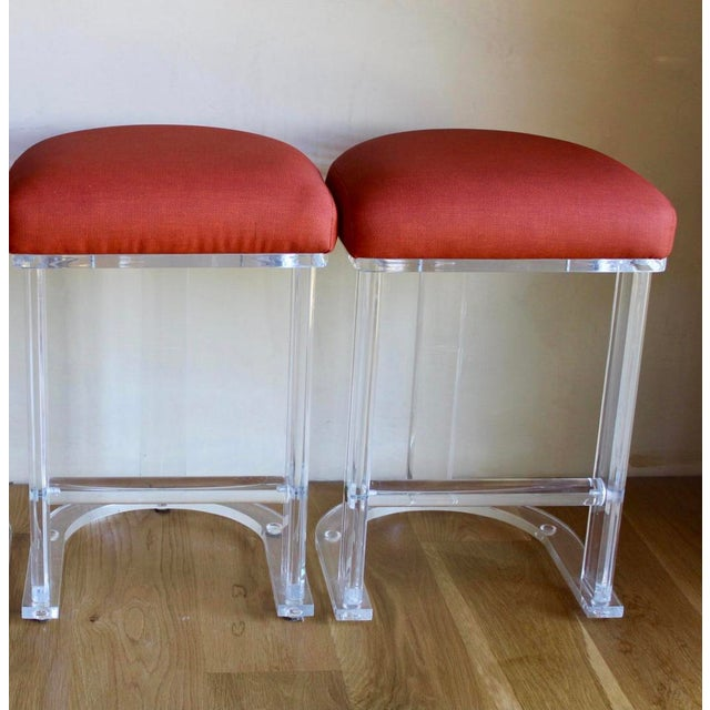 1970s Mid Century Vintage Lucite Hill Manufacturing Counter Bar Stools-Set of 2 For Sale - Image 5 of 8