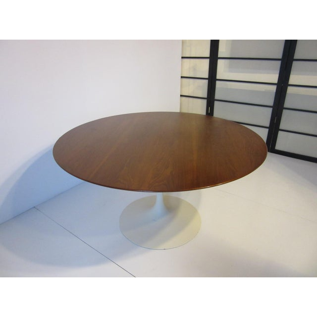 Mid 20th Century Eero Saarinen for Knoll Walnut Tulip Dining Table For Sale - Image 5 of 10