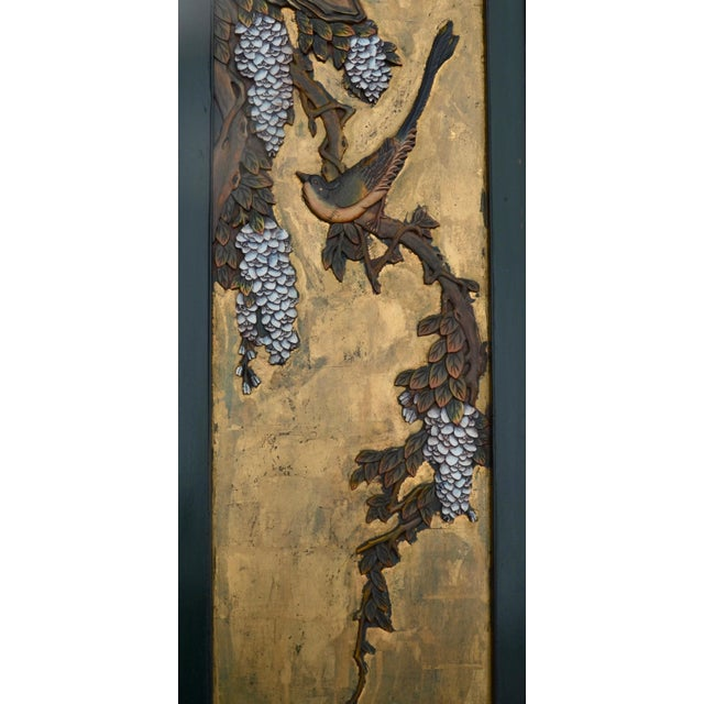 Early 20th Century Chinese Lacquered Carved Wood Panel Pair For Sale - Image 5 of 7