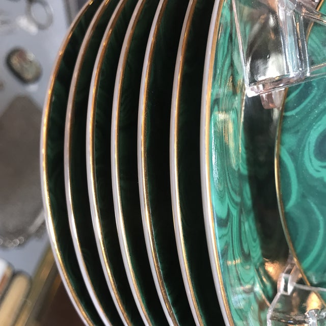 """Late 20th Century Traditional Malachite Painted Green Porcelain 6.25"""" Plates - Set of 8 - Image 3 of 7"""