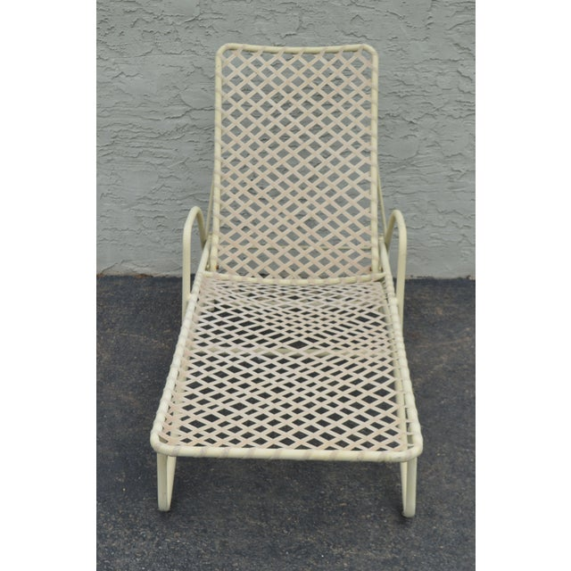 Traditional Vintage Brown Jordan Tamiami Vinyl Lace Patio Chaise Lounge For Sale - Image 3 of 13