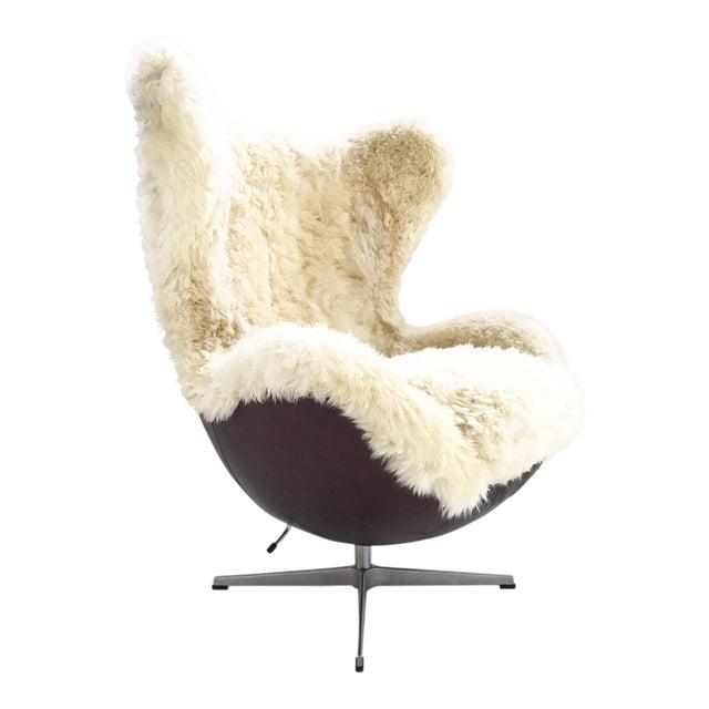Arne Jacobsen for Fritz Hansen Egg Chair Restored in Brazilian Sheepskin and Leather For Sale