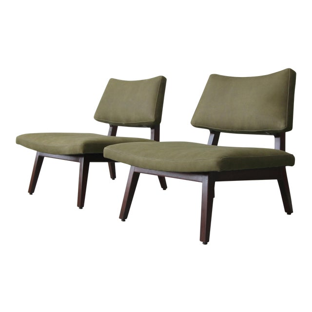 Pair of Mid Century Walnut & Leather Slipper Lounge Chairs by Jens Risom For Sale
