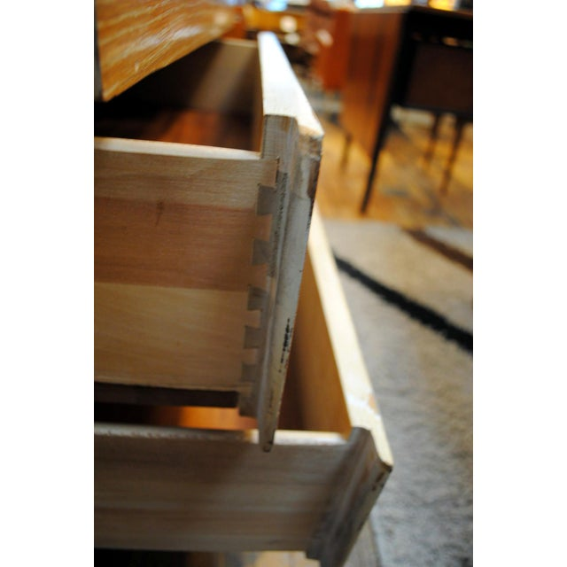 "Mahogany Mid-Century Kent Coffey ""Escort"" 9-Drawer Dresser For Sale - Image 7 of 9"