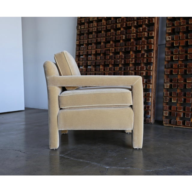 Tan 1970's Parsons Lounge Chairs in Mohair For Sale - Image 8 of 13