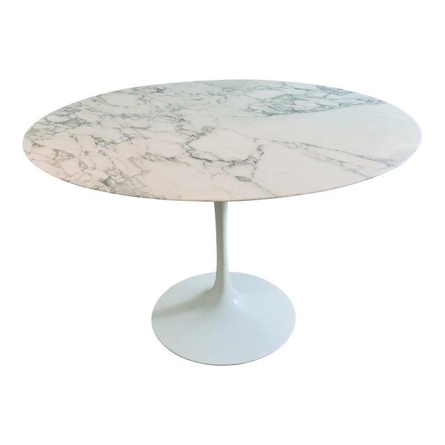 "Mid Century Modern Eero Saarinen Knoll 48"" Tulip Marble Dining Table For Sale"