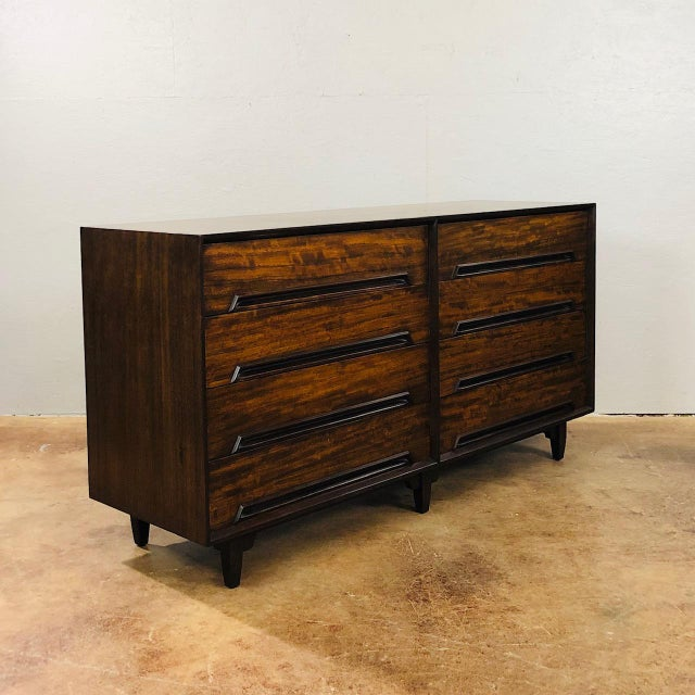 "Mid-Century Modern 1960s Mid Century Modern Milo Baughman for Drexel ""Perspective Series"" Credenza For Sale - Image 3 of 8"