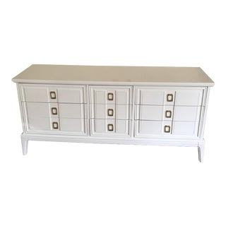 Mid-Century Modern White Lacquered Chest