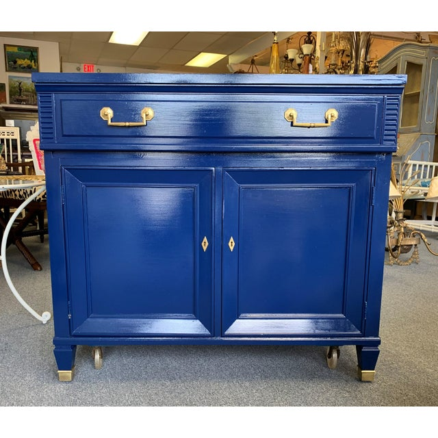 20th Century Hollywood Regency Navy Blue Lacquered Bar Cabinet For Sale - Image 11 of 13
