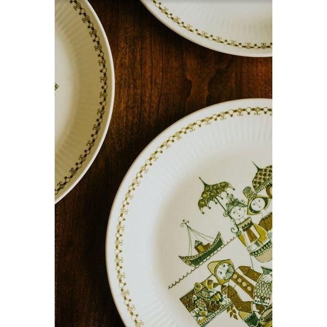 Ceramic Turi-Design Norwegian Mid-Century Dinner Plates - Set of 8 For Sale - Image 7 of 10