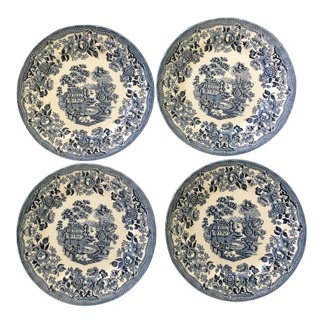 Tonquin Pattern Plates Made by Churchill - Set of 4 For Sale