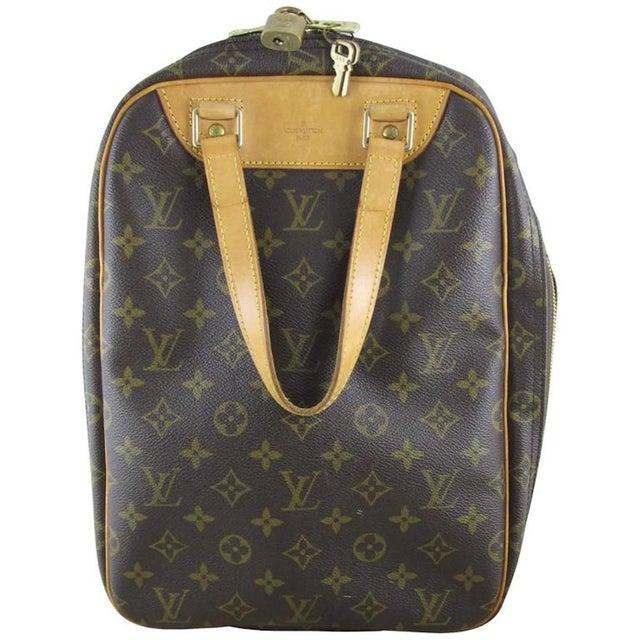 Louis Vuitton Vintage LV Monogram Excursion Travel Shoe Bag W/ Padlock & Dustbag For Sale - Image 11 of 11