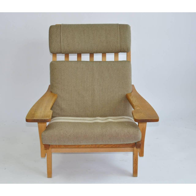Modern Pair of Wide Arm Lounge Chairs by Hans Wegner For Sale - Image 3 of 9