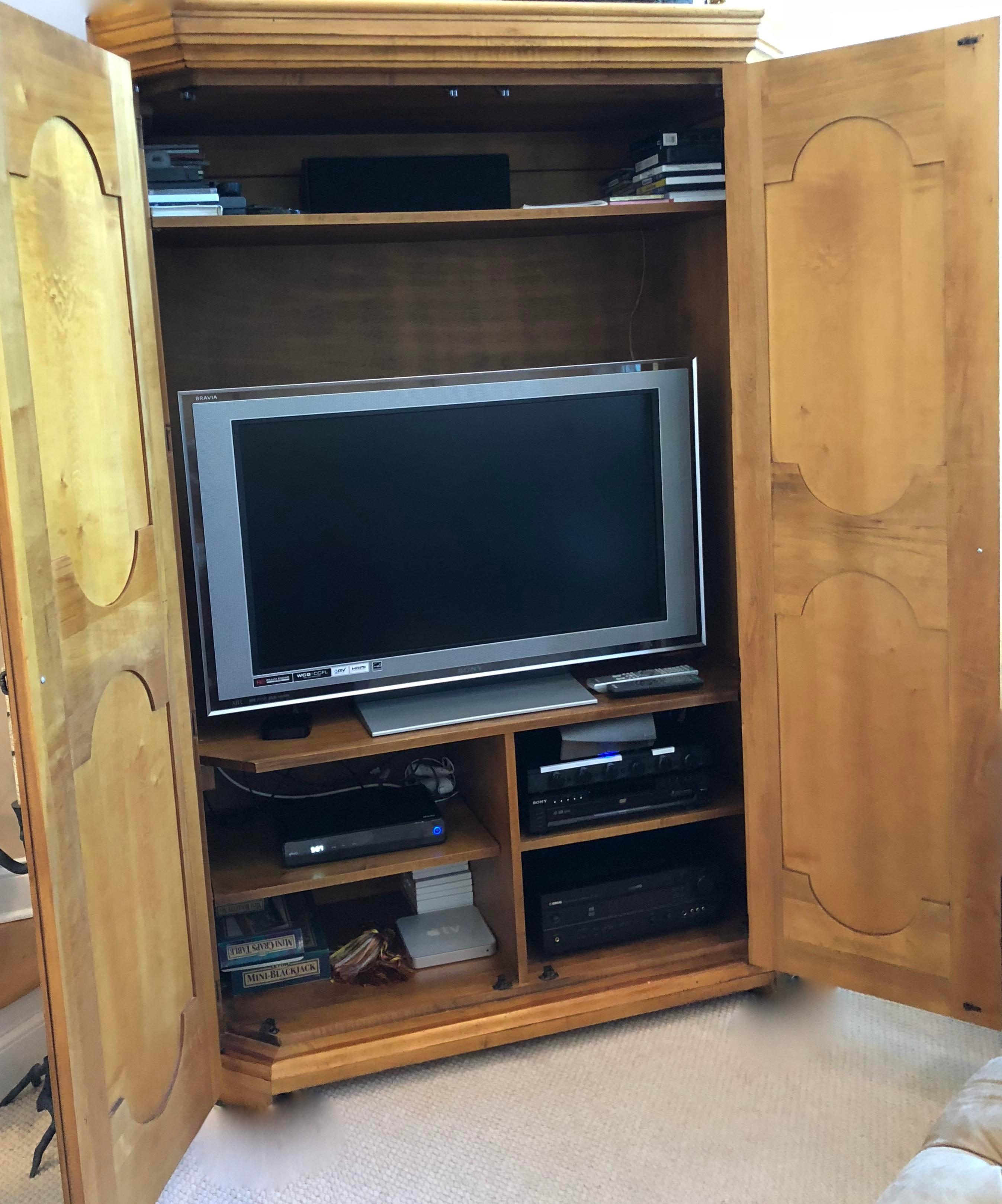 Romweber Romweber Furniture Armoire Tv Cabinet For Sale   Image 4 Of 12