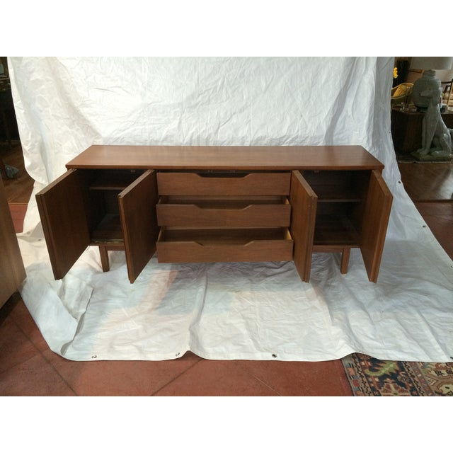 Mid-Century Modern Dixie Mid-Century Inset Panel Sideboard For Sale - Image 3 of 7