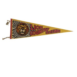 Vintage Lion Country Safari Felt Flag Pennant For Sale