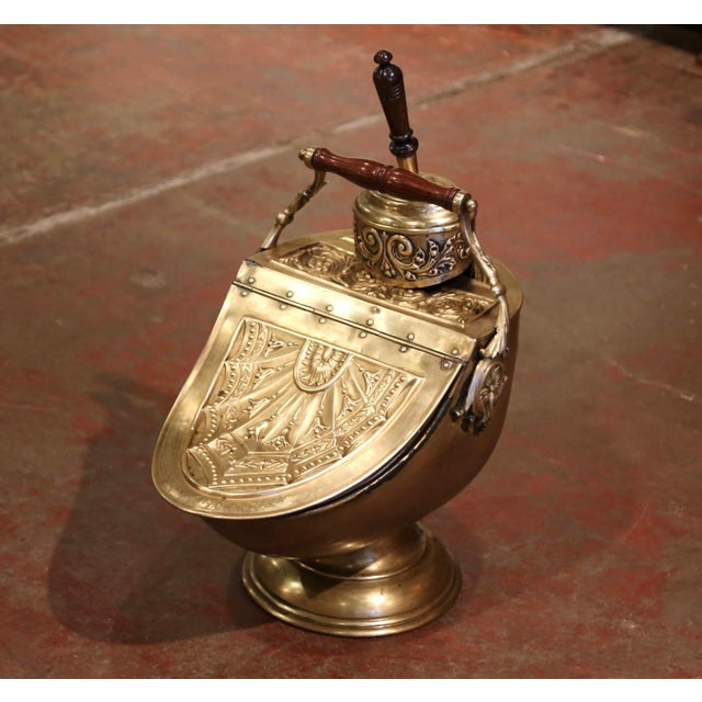 19th Century English Victorian Repousse Brass Coal Bucket With Original Scoop For Sale - Image 13 of 13