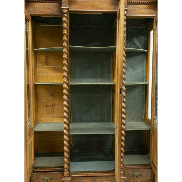 French 1800s Antique French Louis Philippe Twist Column Bookcase For Sale - Image 3 of 5