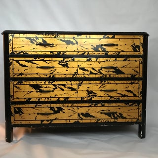 Black and Gold Lacquer Chest Preview