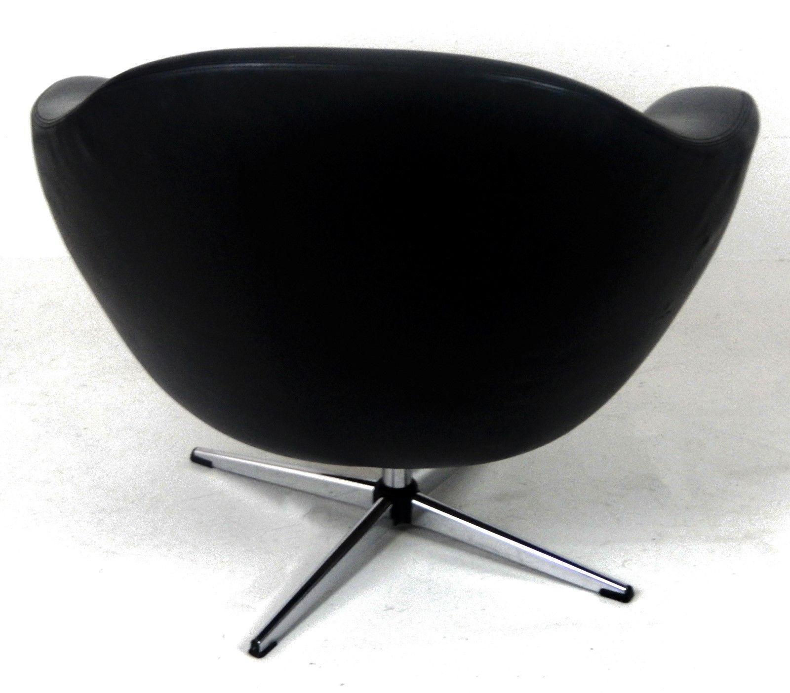 Overman Mid Century Modern Black Vinyl Pod Chair   Image 3 Of 9