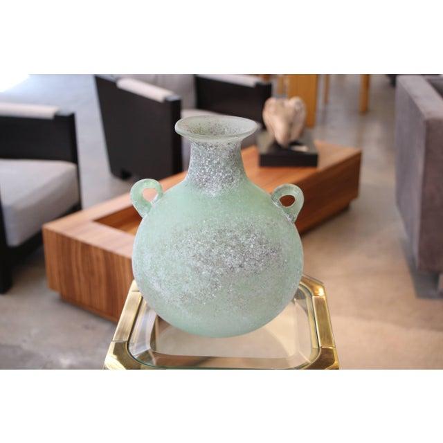 Seguso & Cenadese Seguso/ Cenedese Scavo Corroso Handled Green Vessel For Sale - Image 4 of 8